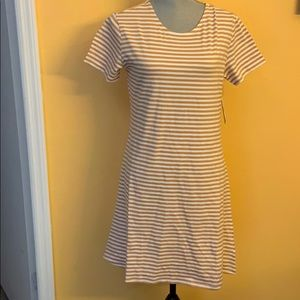 Volcom ladies looking out dress Sz XL